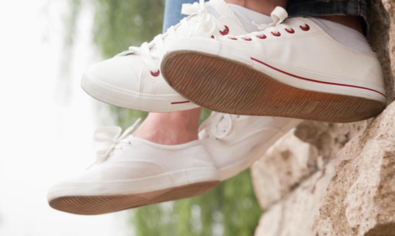Como limpar os seus sapatos na máquina de lavar | Stylight