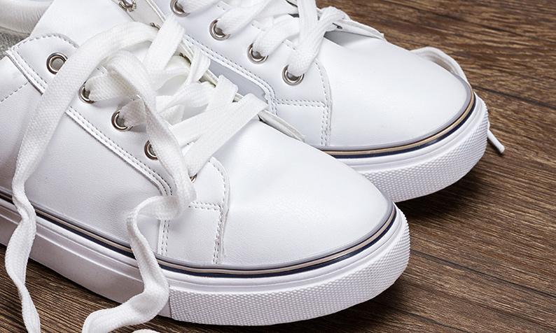 Como limpar a borda dos calçados