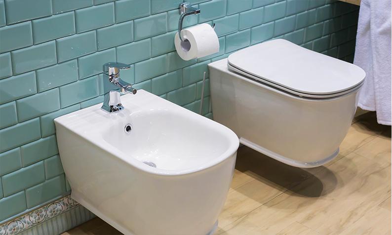Como remover manchas de calcário do WC
